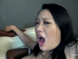 Zoe Lark heads treacherous IV464