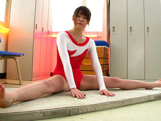 Aoyama Arisa shoots a load again and again from toys